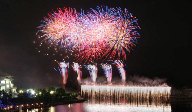 横浜で開かれる花火大会