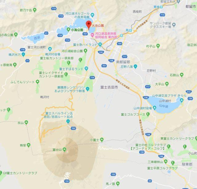 河口湖と富士山の位置関係